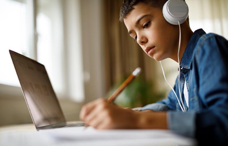 اهمیت آموزش آنلاین